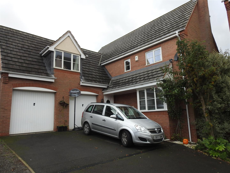 4 Bedrooms Detached House for sale in Holly Leaf Road, Hucknall, Nottingham